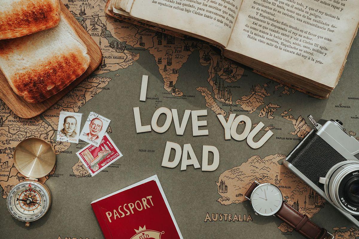 Livre de voyage fête des pères
