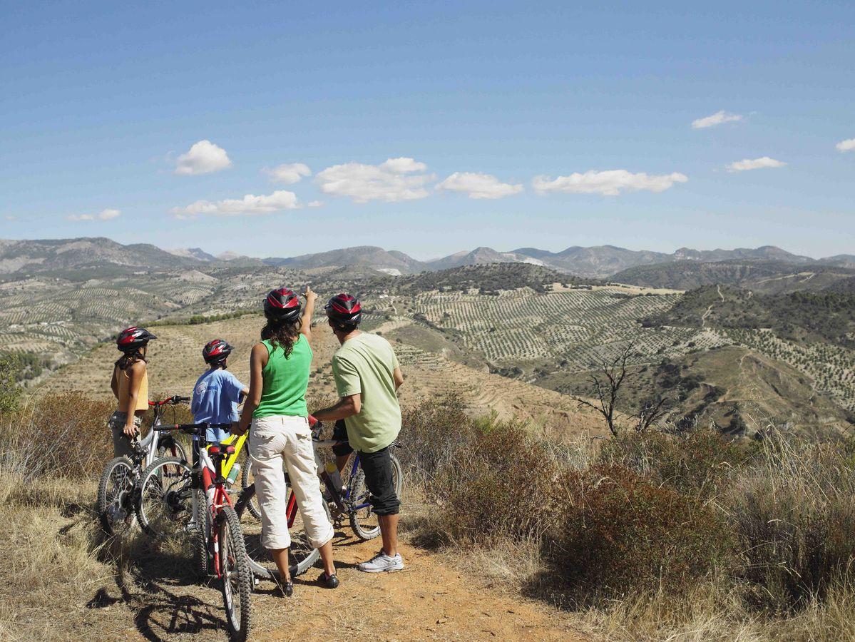 Balade en vélo en famille pendant les vacances