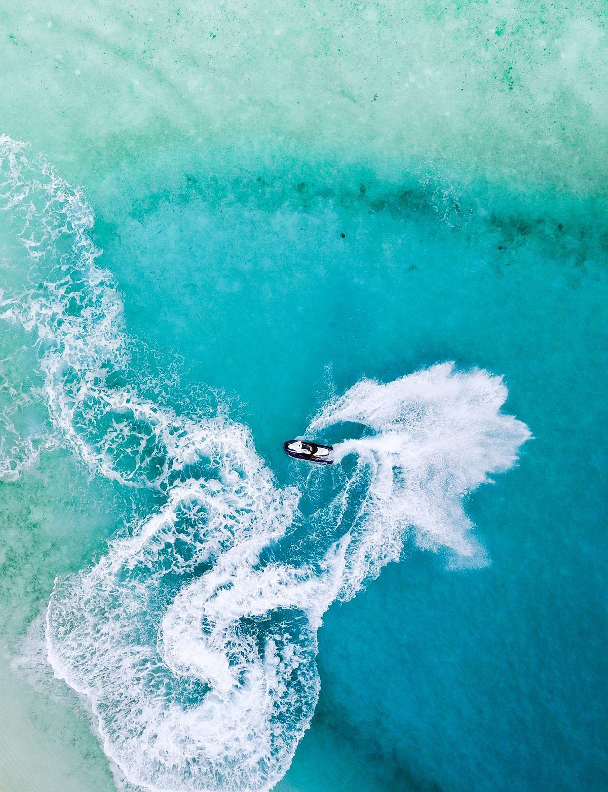 Activité jet ski pendant les vacances