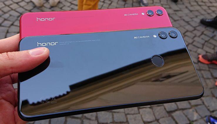 Honor 8X julkaistaan punaisen ja mustan lisäksi sinisenä.