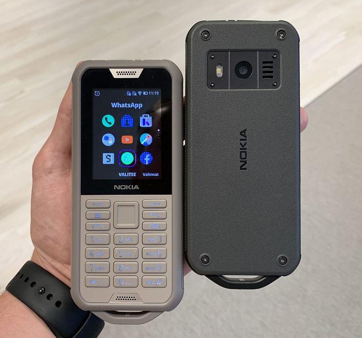 Nokia 800 Toughin värivaihtoehdot.