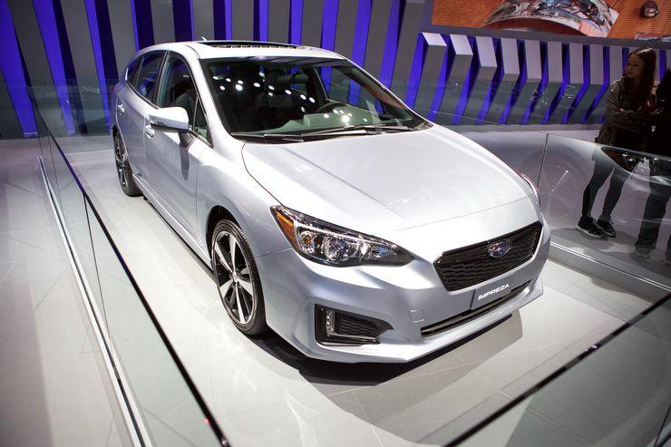 Subaru Impreza Los Angelesin autonäyttelyssä