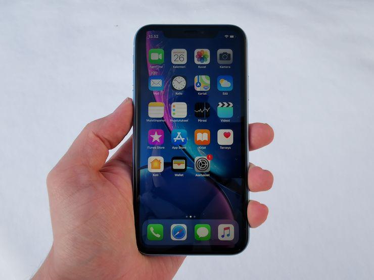 Peruskäytössä iPhone XR tuntuu aika lailla samalta kuin iPhone X, iPhone XS tai iPhone XS Max.
