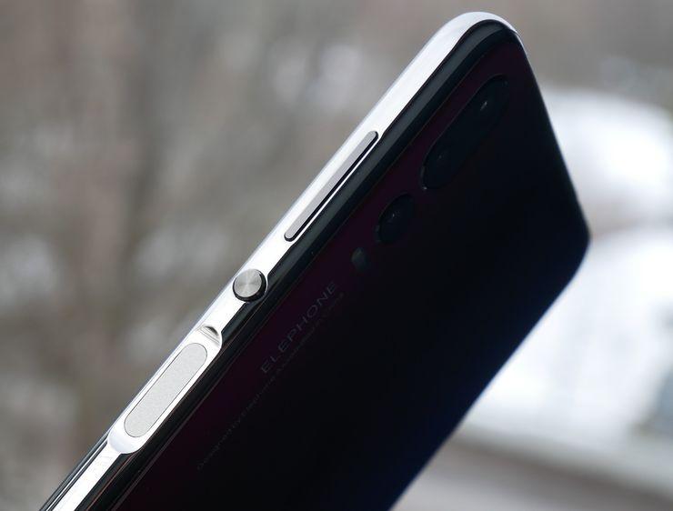 Elephone A5:n kyljellä on virtanäppäin, äänenvoimakkuuspainikkeet ja sormenjälkilukija.
