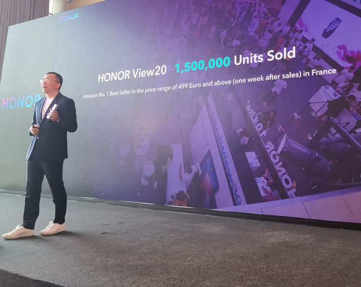 Honor View20:n myynti on yltänyt 1 500 000 puhelimeen.