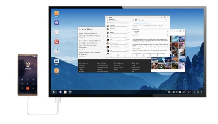 Mate 10 Pro on mahdollista kytkeä kaapelilla työpöytäkäyttöön suuremman näytön kanssa.