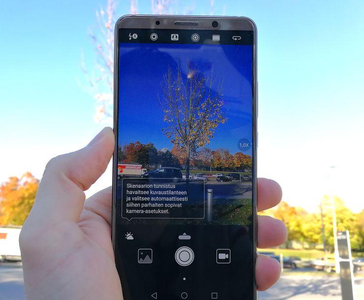 Mate 10 Pron kamera tunnistaa tekoälyä hyödyntävällä toiminnolla automaattisesti eri kuvaustilanteet ja optimoi asetukset niiden mukaisesti.