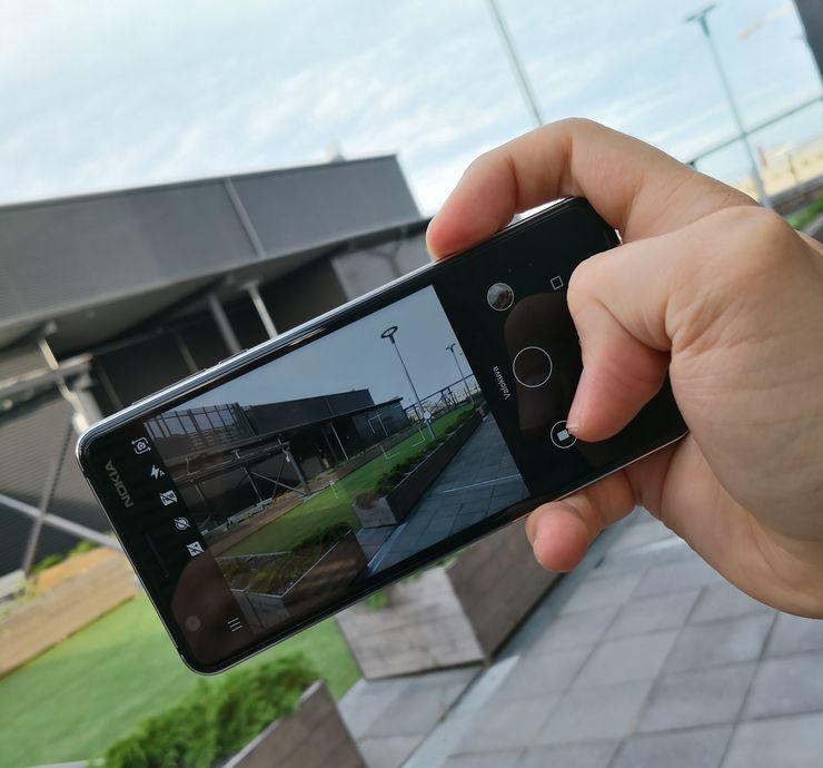 Nokia 3.1:ssä on 13 megapikselin kamera. Kamerasovellus on parantunut Nokia-älypuhelimissa sujuvammaksi, vaikka Nokia 3.1 ei täyttä manuaalitilaa sisälläkään.