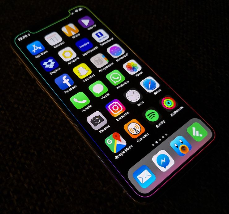 iPhone X:n akun vaihtaminen maksaa muita vanhempia iPhone-malleja enemmän.