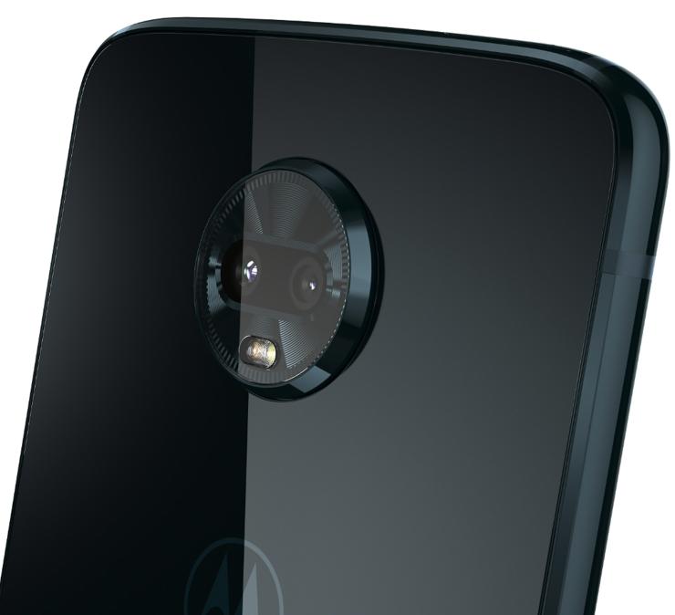 Yksi Moto Z3 Playn uudistus on taakse lisätty toinen kamera.