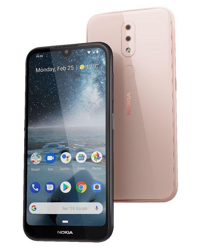 Nokia 4.2 on saatavilla kahtena värivaihtoehtona, mustana ja pinkkinä (Pink Sand).