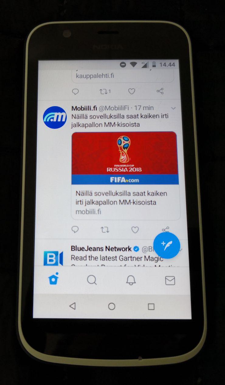 Android Gossa toimivat samat sovellukset kuin muutenkin Android-puhelimissa. Kuvassa Twitter.