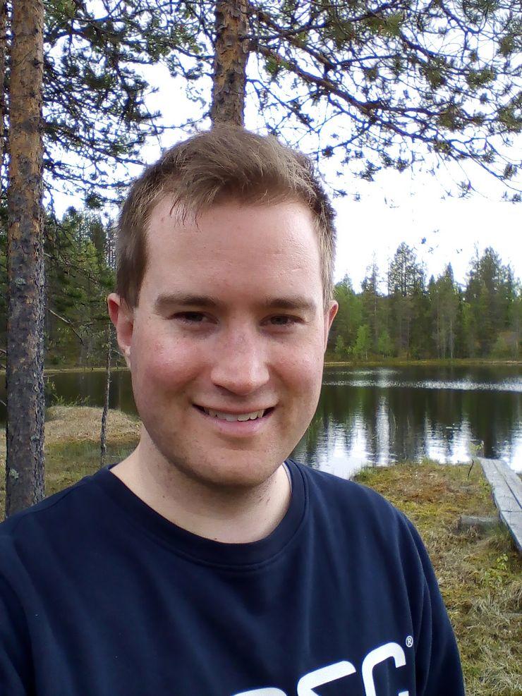 Selfie Nokia 1:n etukameralla.