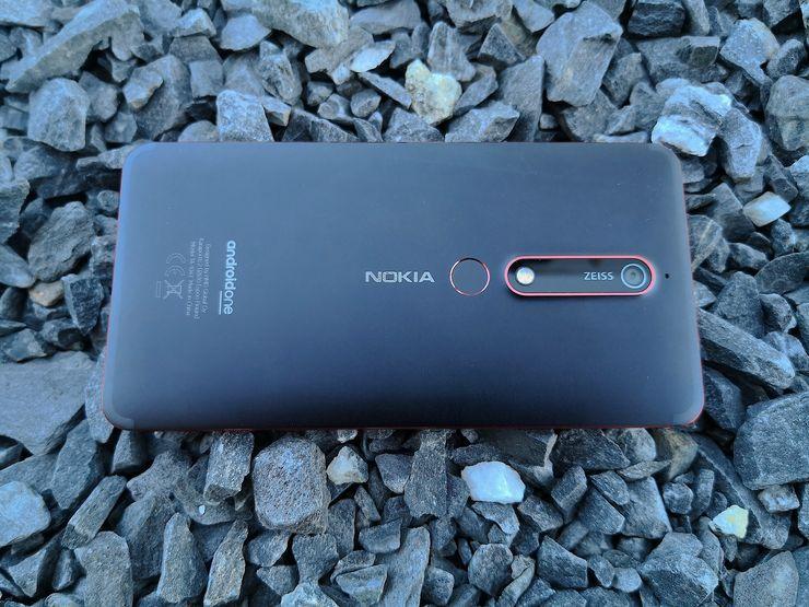 Sormenjälkilukija löytyy uudessa Nokia 6:ssa takaa.