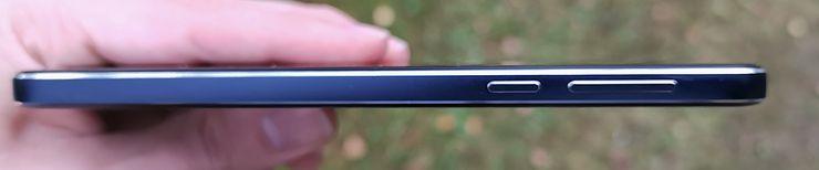 Nokia 7.1 on mukavasti muotoiltu.