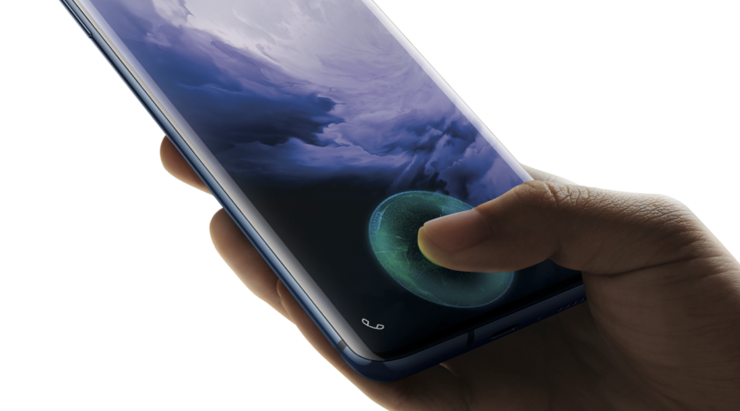 Näytönalainen sormenjälkilukija on sekä OnePlus 7:ssä että OnePlus 7 Prossa nopeampi kuin 6T:ssä.