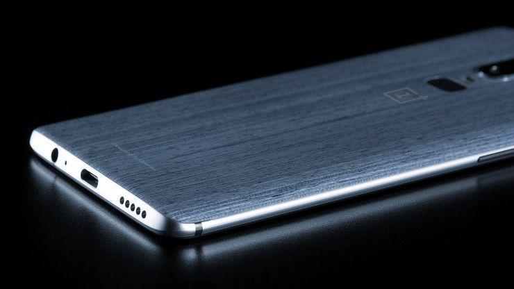 Evan Blassin aiemmin julkaisema vuotokuva OnePlus 6:sta.