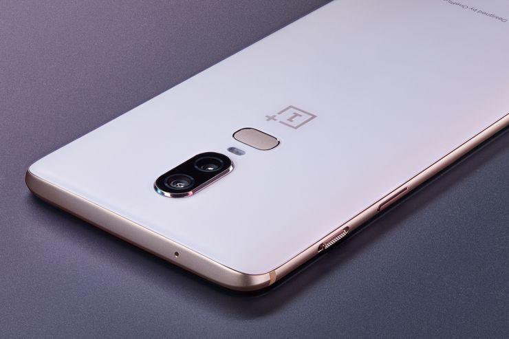 OnePlus 6 Silk White.