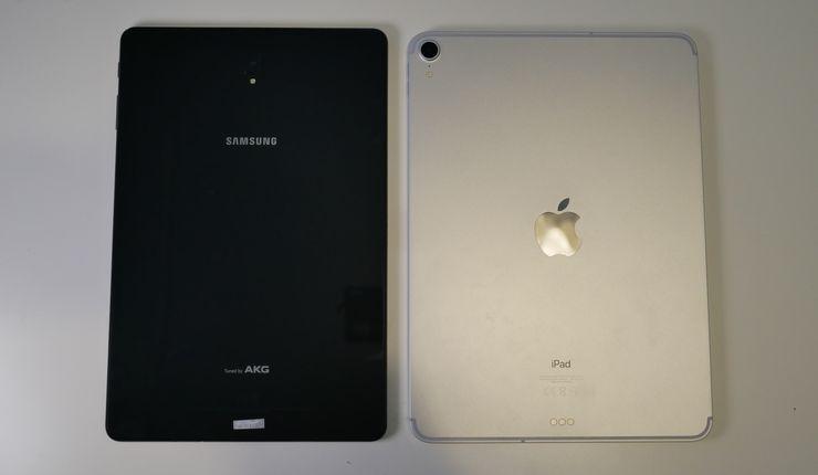 iPad Pro on takaa alumiinia, kun taas Galaxy Tab S4:ssä takapinta on lasia.