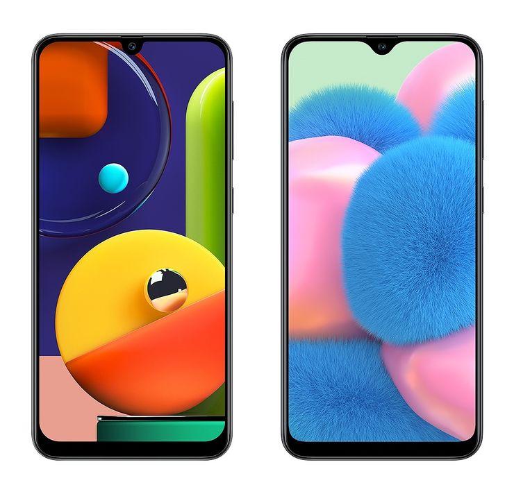 Vasemmalla Samsung Galaxy A50s, oikealla Samsung Galaxy A30s.