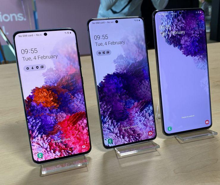 Samsung Galaxy S20 5G, Galaxy S20+ 5G ja Galaxy S20 Ultra 5G.