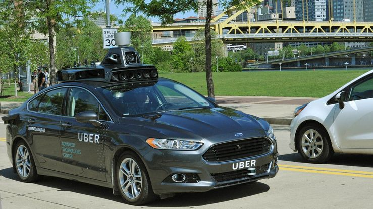Uberin myös käyttämä, Ford Fusionista kehitetty itseajamisen testiauto.