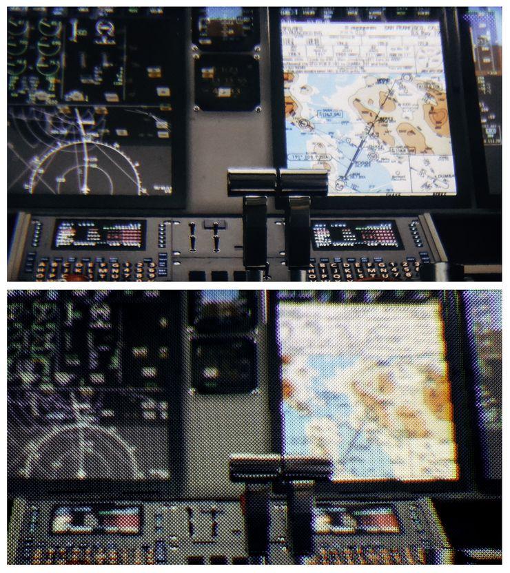 Kuva lentokoneen ohjaamosta yllä Varjon laitteella katseltuna ja alla tavallisilla muilla VR-laseilla.