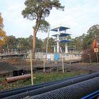 Rauman maauimalan remontti on vaativa ja työtä on vielä paljon jäljellä. Maauimalaan tulee lämmin vesi ja allasta muokataan nykyaikaisten vaatimusten mukaiseksi. Riku Räsänen arvioi, että maauimalan remontti valmistuu ensi kesäksi.