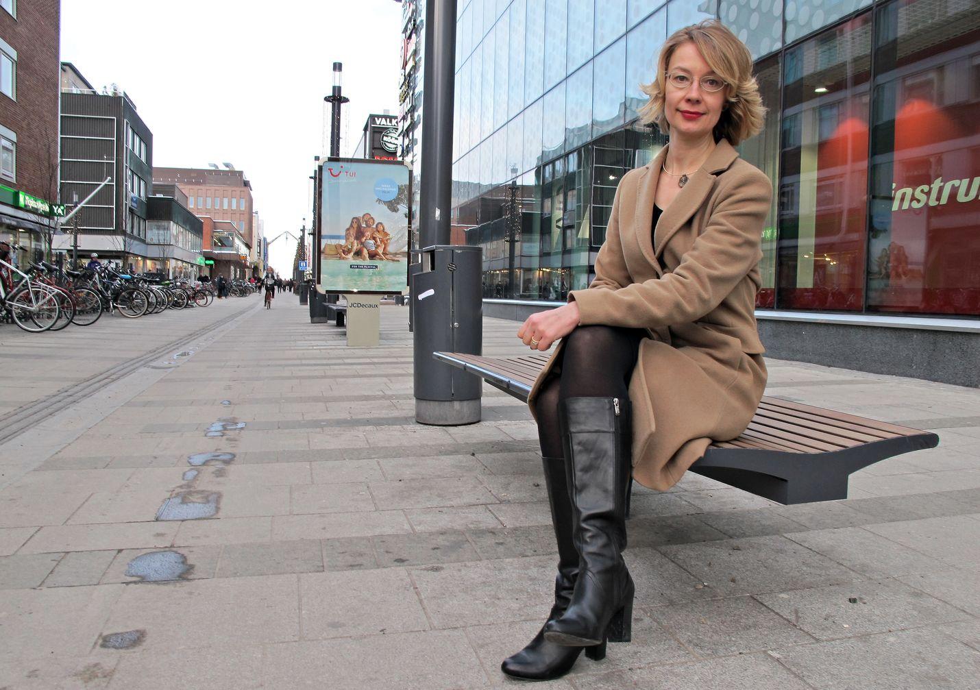 Oululainen kansanedustaja Tytti Tuppurainen (sd) vaatii valtiolta apua, jotta Oulua järkyttäneet seksuaalirikokset saadaan selvitettyä ja Ouluun voidaan luoda uutta turvallisuuskulttuuria.