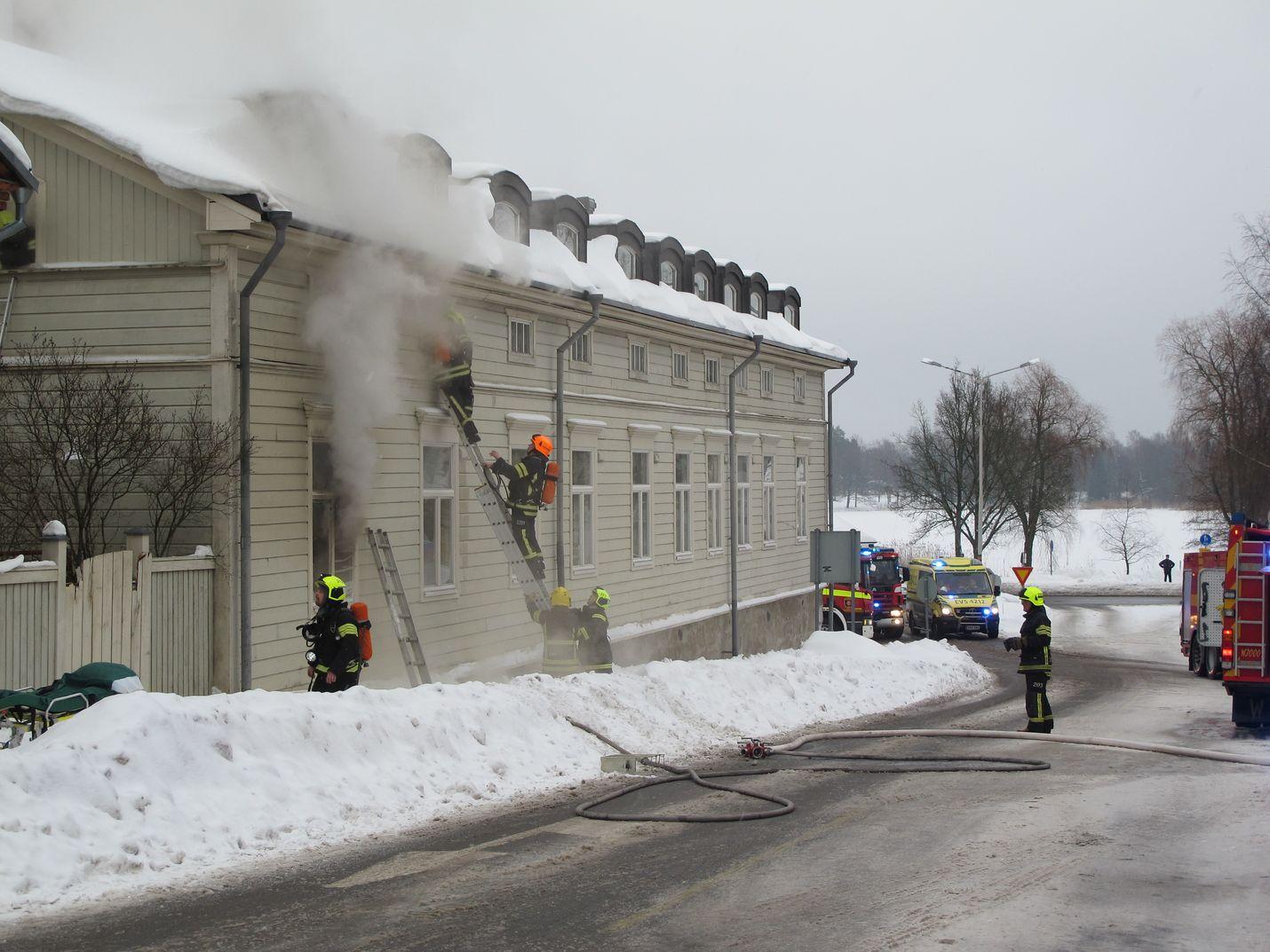 Palon syttymissyystä ei ole tietoa, ja poliisi aloittaa teknisen tutkinnan heti kun se on mahdollista.