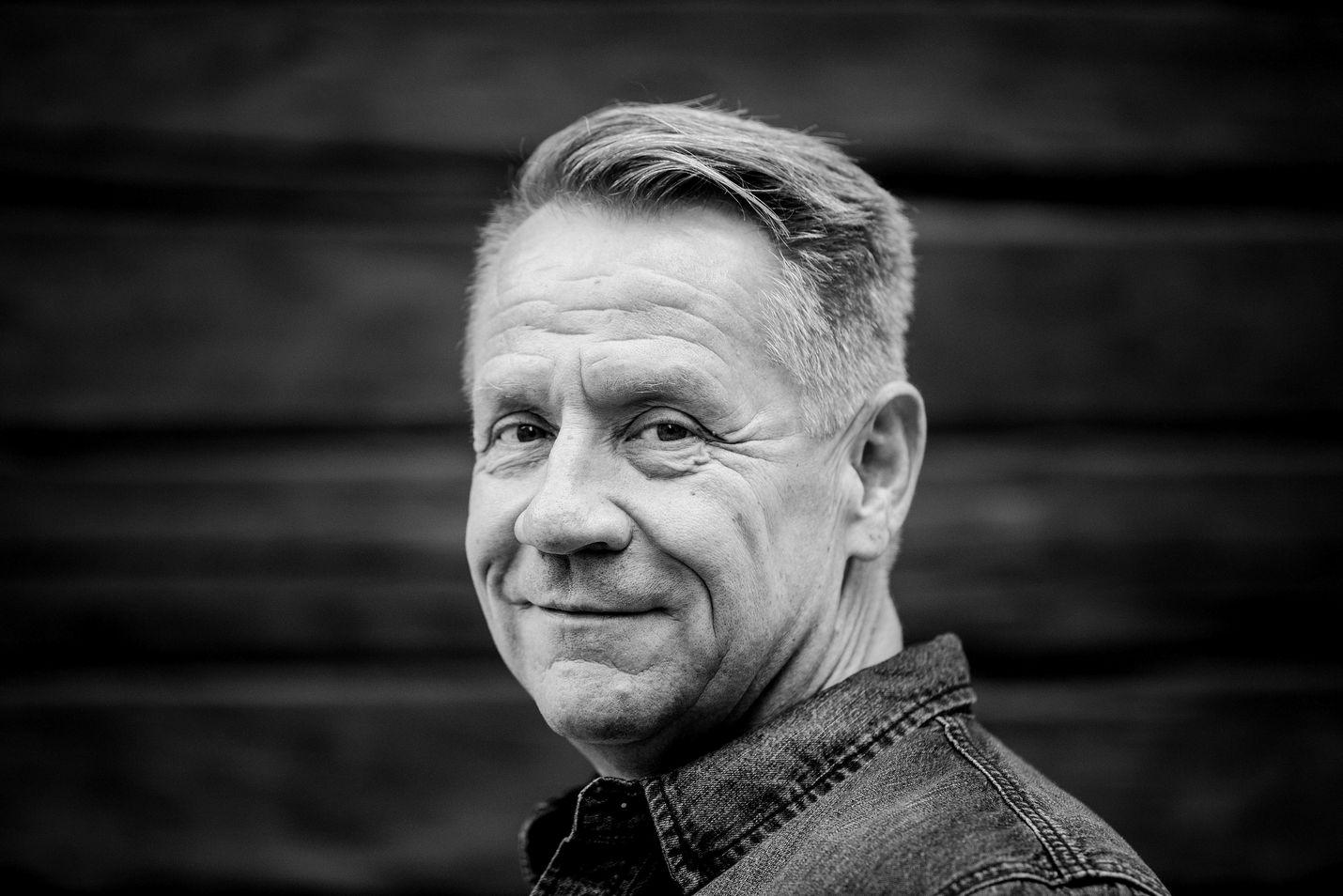 Olli Lindholm oli Yö-yhtyeen perustajajäsen ja laulaja.