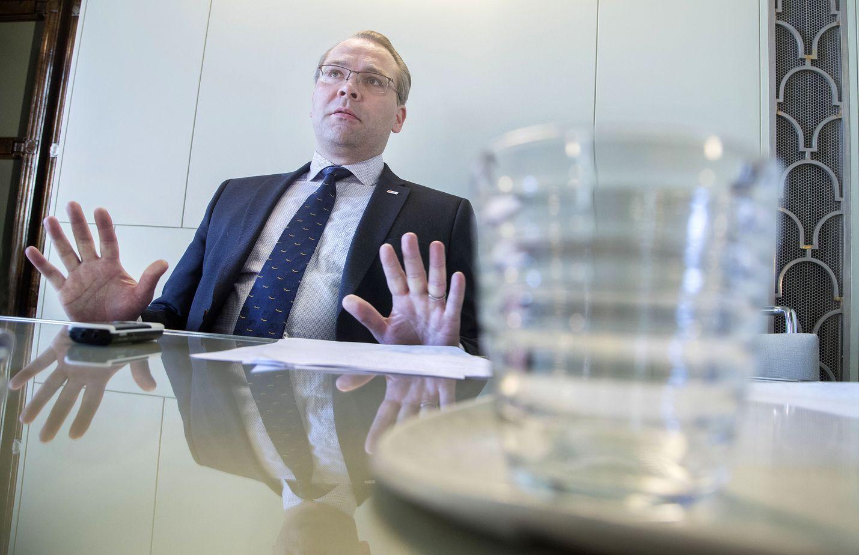 Puolustusministeri Jussi Niinistö pitää tuoretta selvitystä epäoikeudenmukaisena SS-vapaaehtoisia kohtaan.