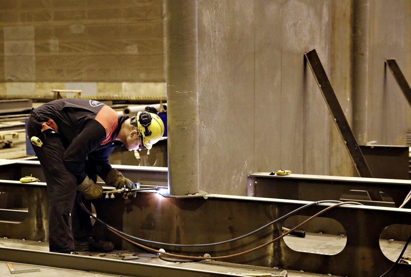 Laivateollisuus on yksi Rauman seudulle tällä hetkellä työpaikkoja ja talousvireyttä tuova ala.