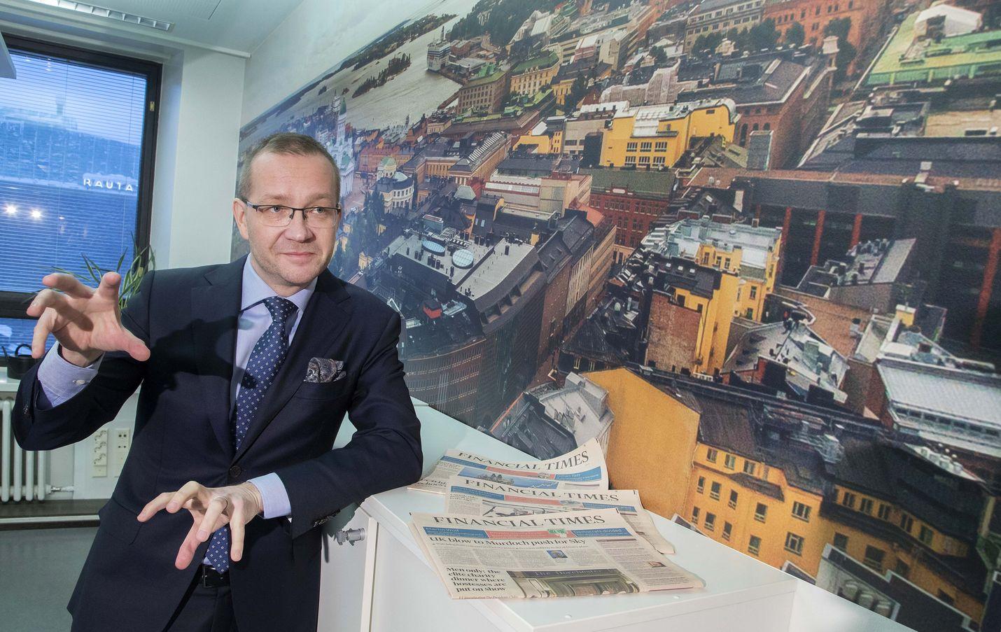 Keskuskauppakamarin Juho Romakkaniemi lieventäisi työehtosopimusten yleissitovuutta.