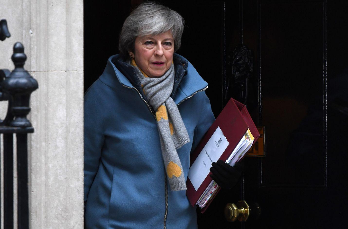 Britannian pääministeri Theresa May pyrkii vielä saada lisää brittiparlamentaarikoita neuvottelemansa brexit-sopimuksen taakse.
