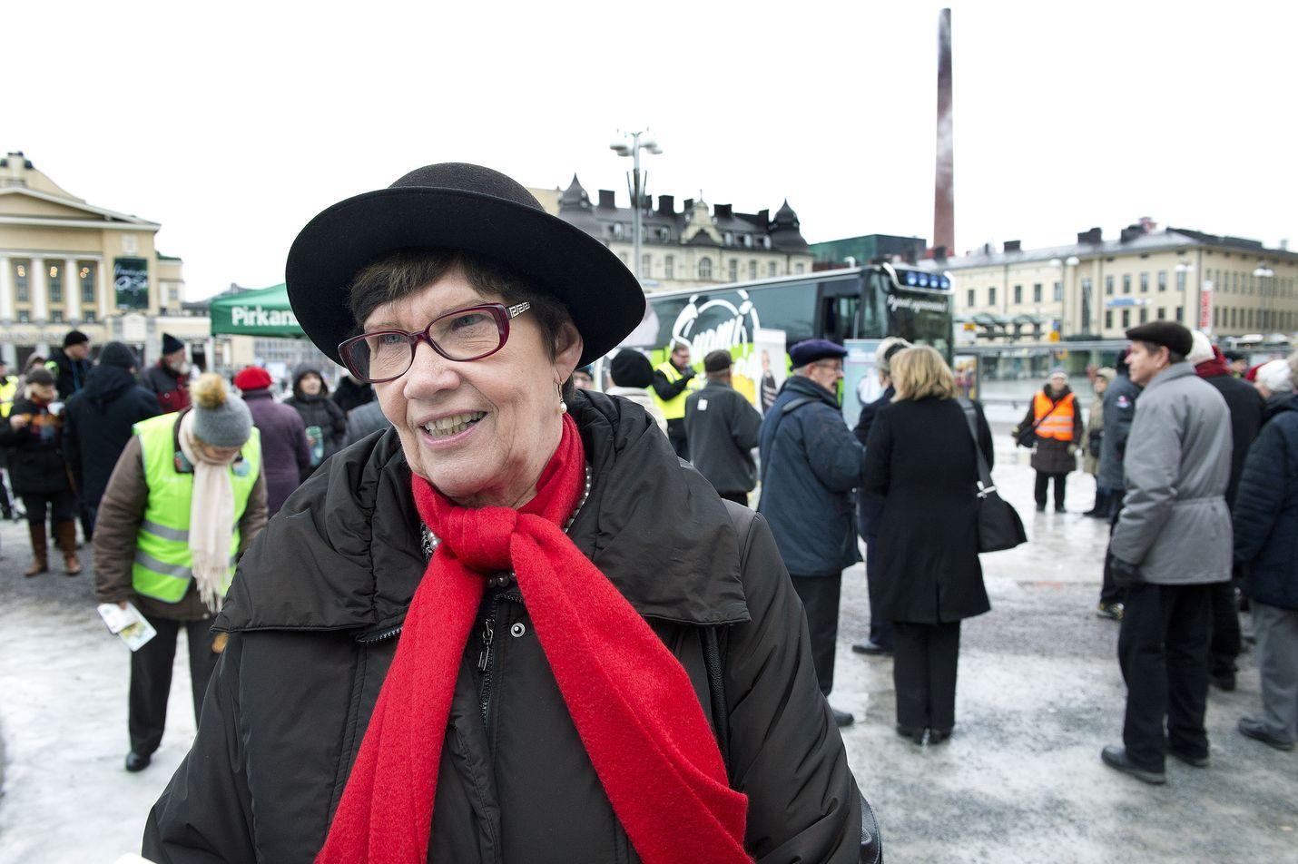 Keskustan kansanedustaja Sirkka-Liisa Anttila perää tolkkua ilmastokeskusteluun.