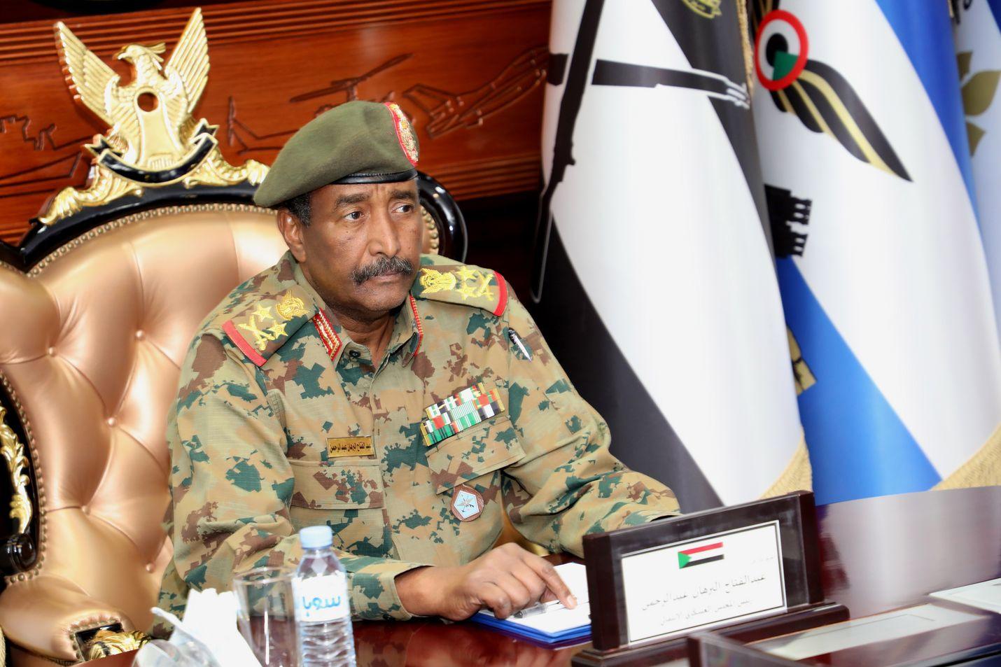 Abdel Fattah Abdelrahman Burhan johtaa Sudanin väliaikaista sotilashallintoa.
