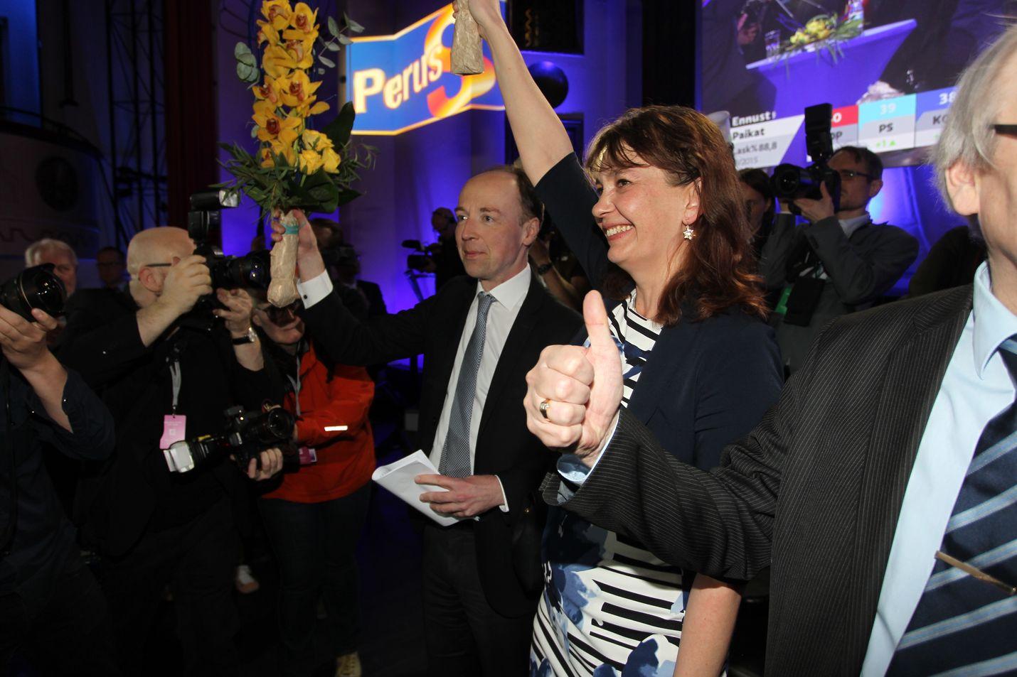 Perussuomalaisten vaalivalvojaisissa riemuittiin sunnuntai-iltana puolueen noususta toiseksi suurimmaksi puolueeksi. Asiantuntijan mukaan perussuomalaiset osaavat kuunnella herkällä korvalla potentiaalista äänestäjäkuntaansa.