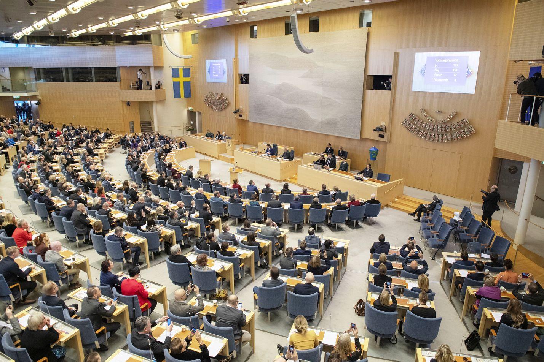Useita Ruotsin valtiopäiväedustajia on viime vuosina joutunut skandaalien keskelle nostamiensa korvausten vuoksi.