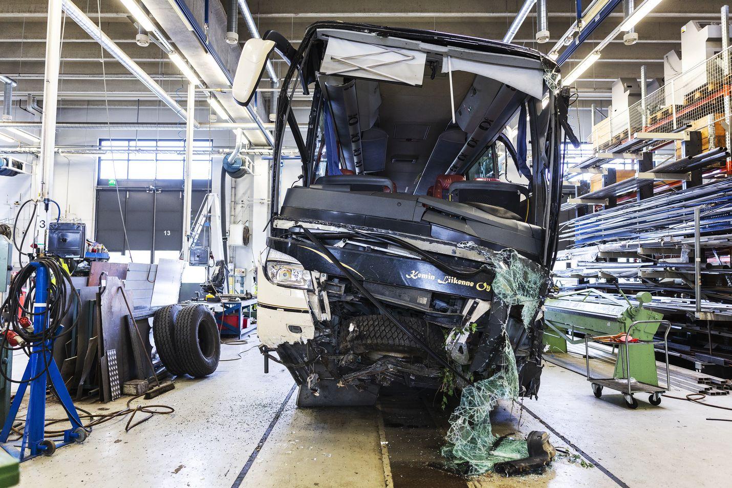 Onnettomuustutkintakeskus tutki tarkoin Kuopion turmabussia elokuussa 2018. Linja-auto-onnettomuus vaati neljän matkustajan hengen.