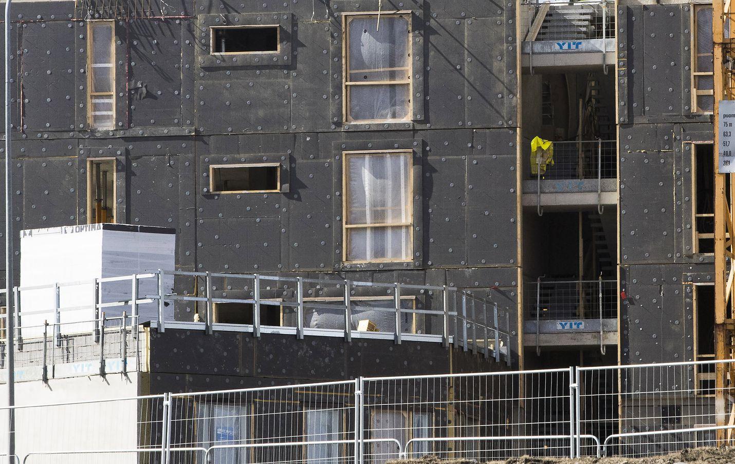 Asuntoja valmistuu nyt enemmän kuin 27 vuoteen. Ilman rakennusbuumia asuntojen hinnat olisivat nousseet kasvukaupungeissa huomattavasti nykyistä enemmän. Arkistokuva.