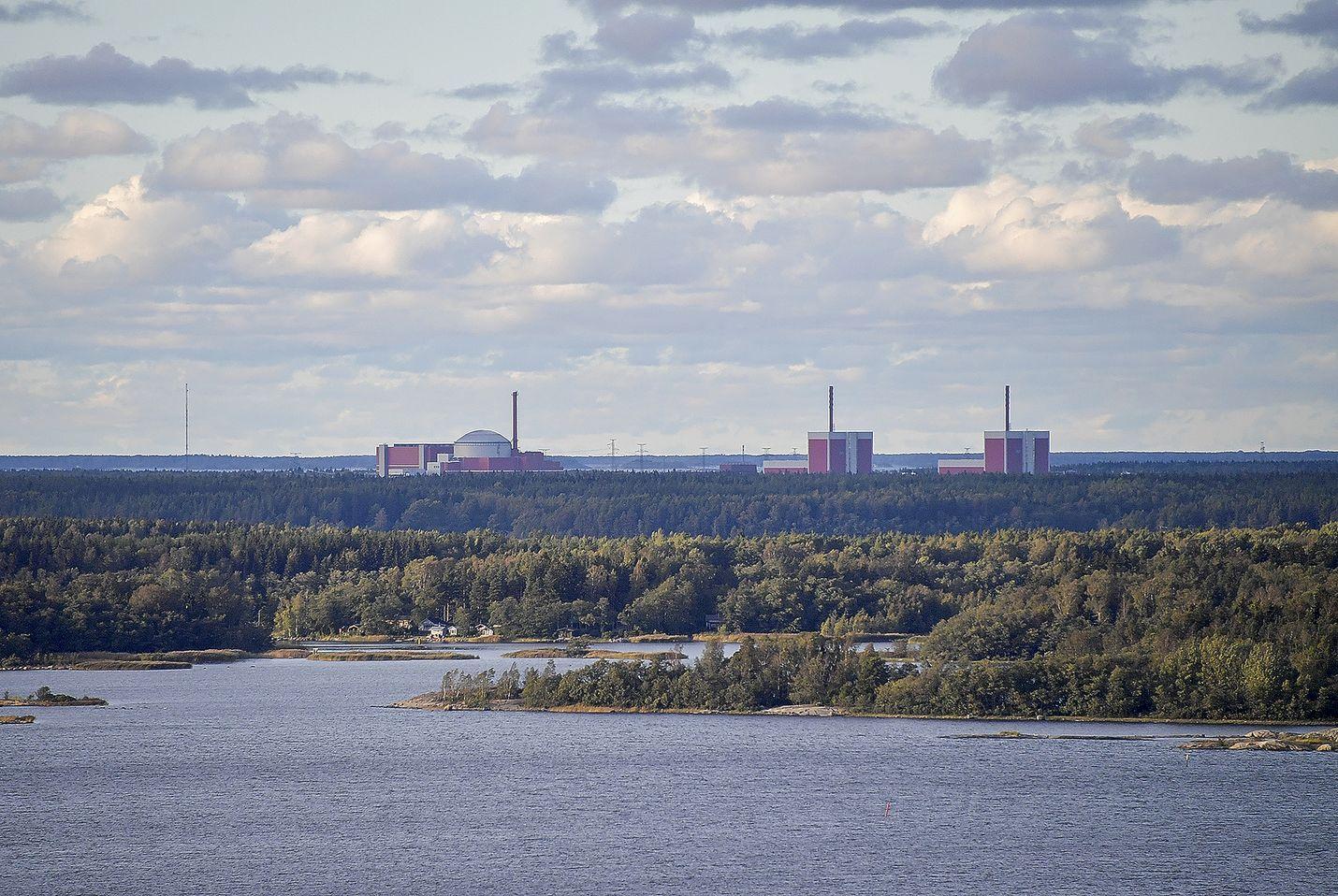 Kirjoittaja pitää ydinvoimaa ainoana mahdollisuutena, jos halutaan saattaa ilmastoasiat energiasektorilla hiilineutraaleiksi.