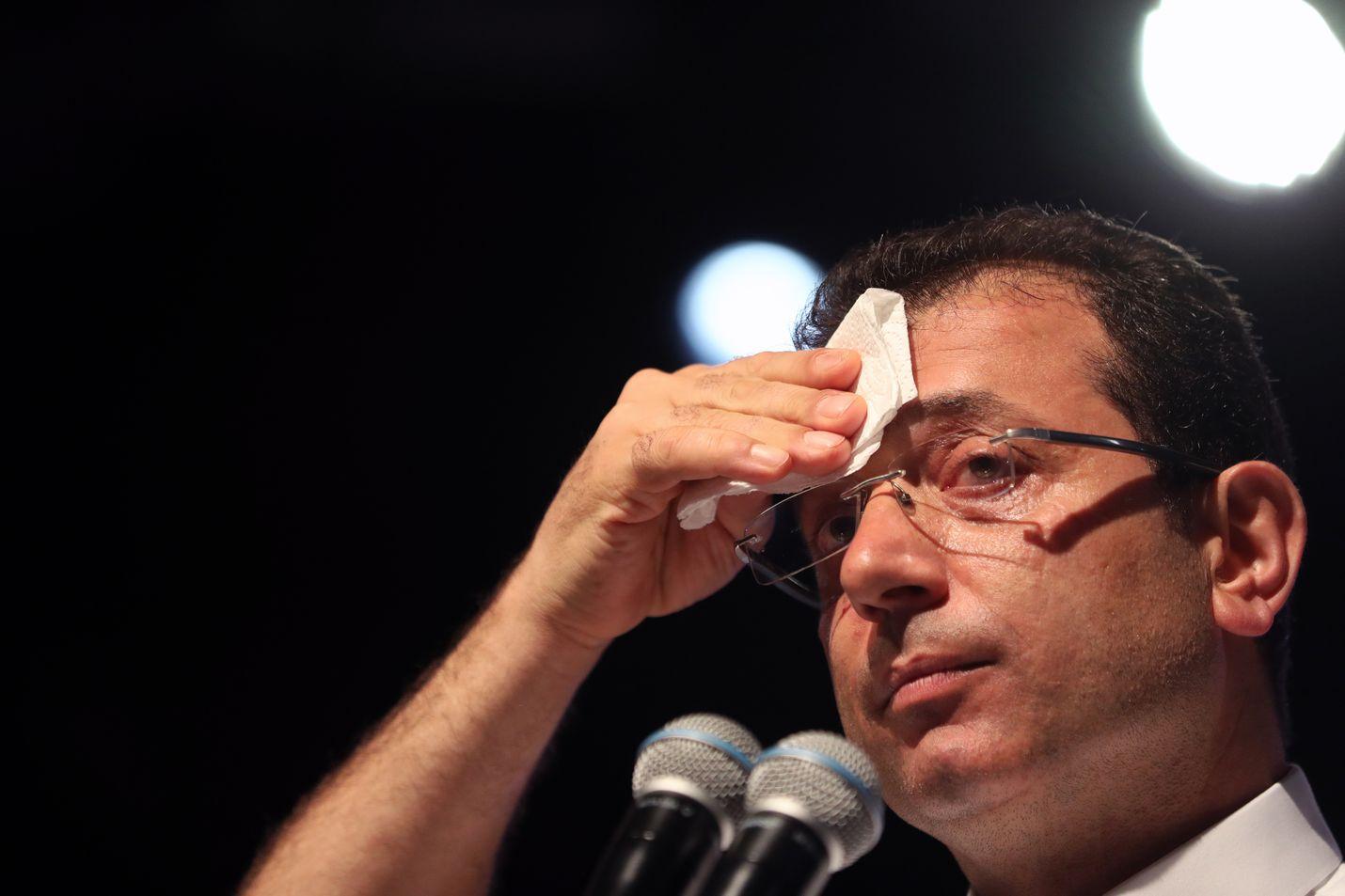 Turkin pääoppositiopuolue CHP:n ehdokas Ekrem Imamoglu voitti hallituspuolueen ehdokkaan Istanbulin pormestarivaalissa maaliskuussa 13000 äänellä.