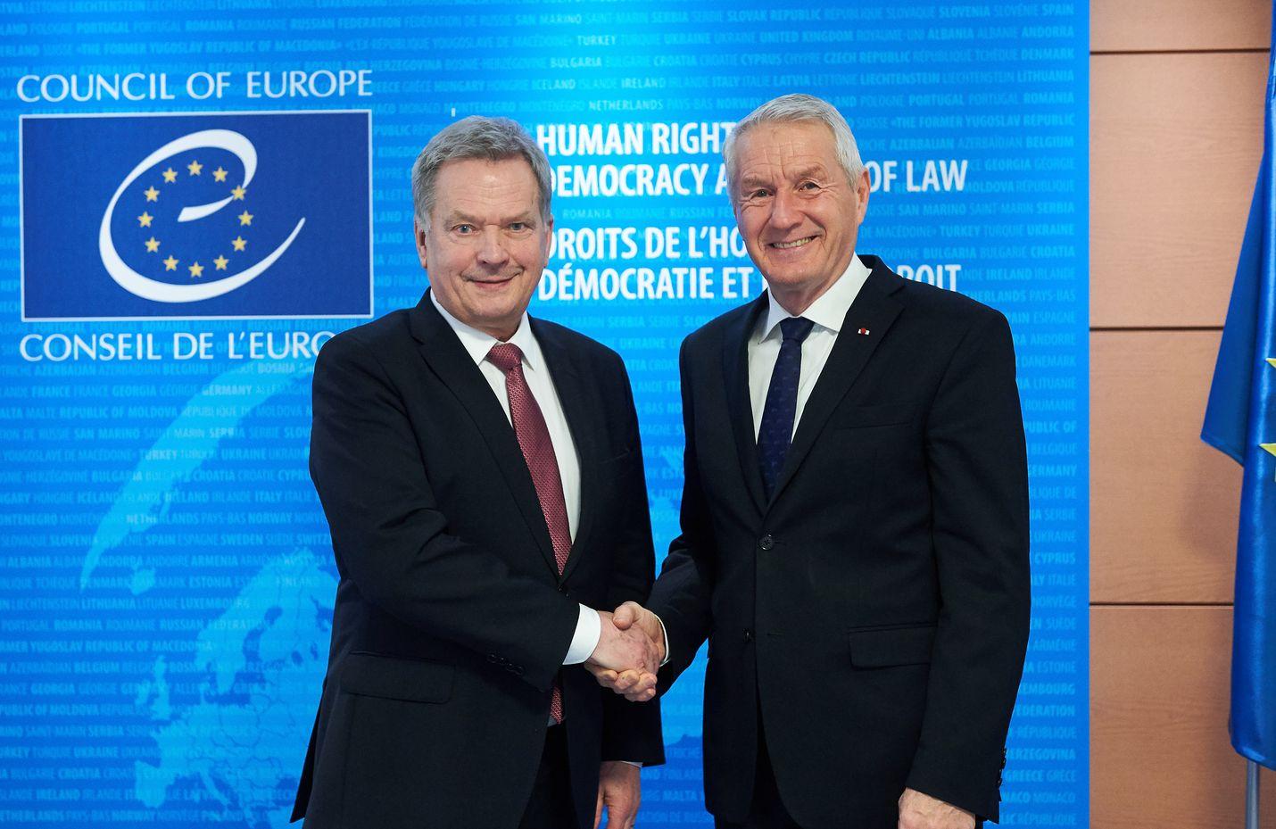 Arkistokuvaa presidentti Sauli Niinistön ja Euroopan neuvoston pääsihteerin Thorbjörn Jaglandin tapaamisesta Strasbourgissa.