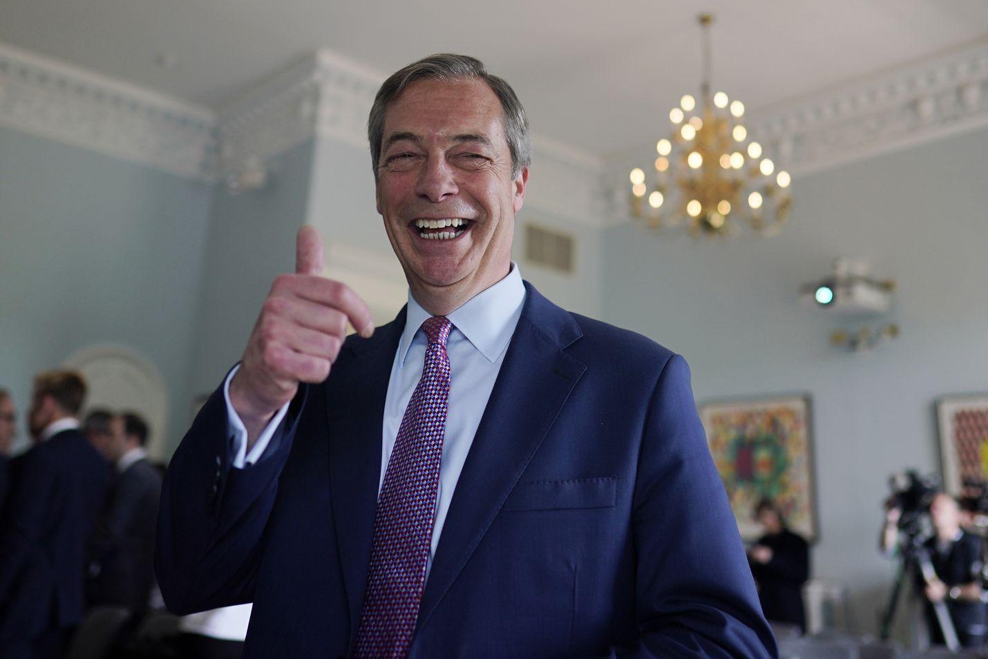 Nigel Farage ei ole istunut koskaan Britannian parlamentissa, mutta EU-parlamentin jäsen hän on vuodesta 1999. Farage on tammikuussa perustetun Brexit-puolueen puheenjohtaja.