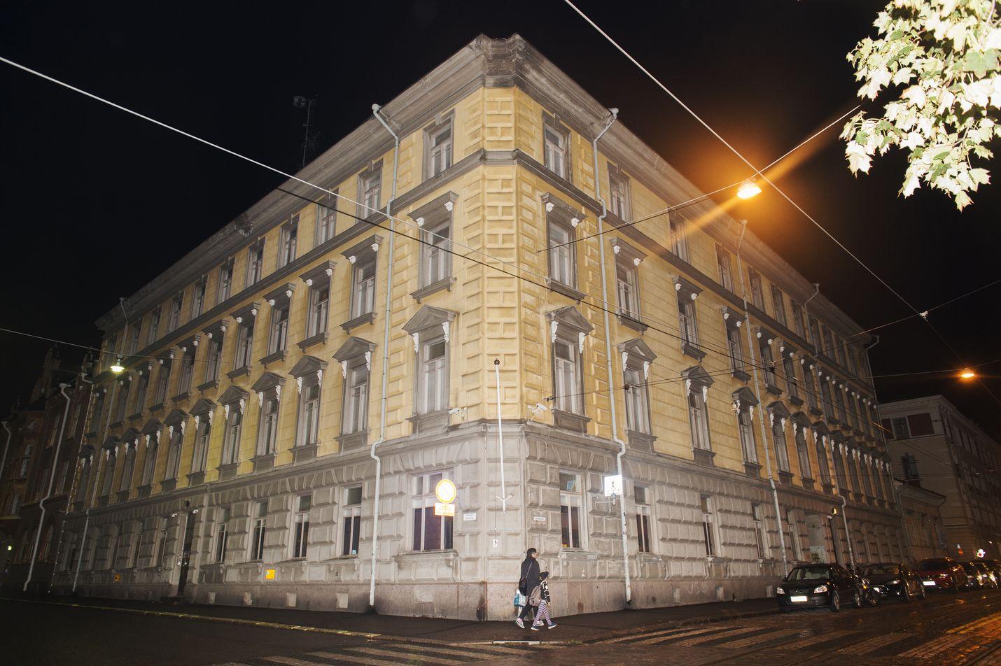 Suojelupoliisin (supon) toimitilat sijaitsevat Helsingissä. Supo sai tiedustelutoimintaan uusia valtuuksia 1. kesäkuuta alkaen.