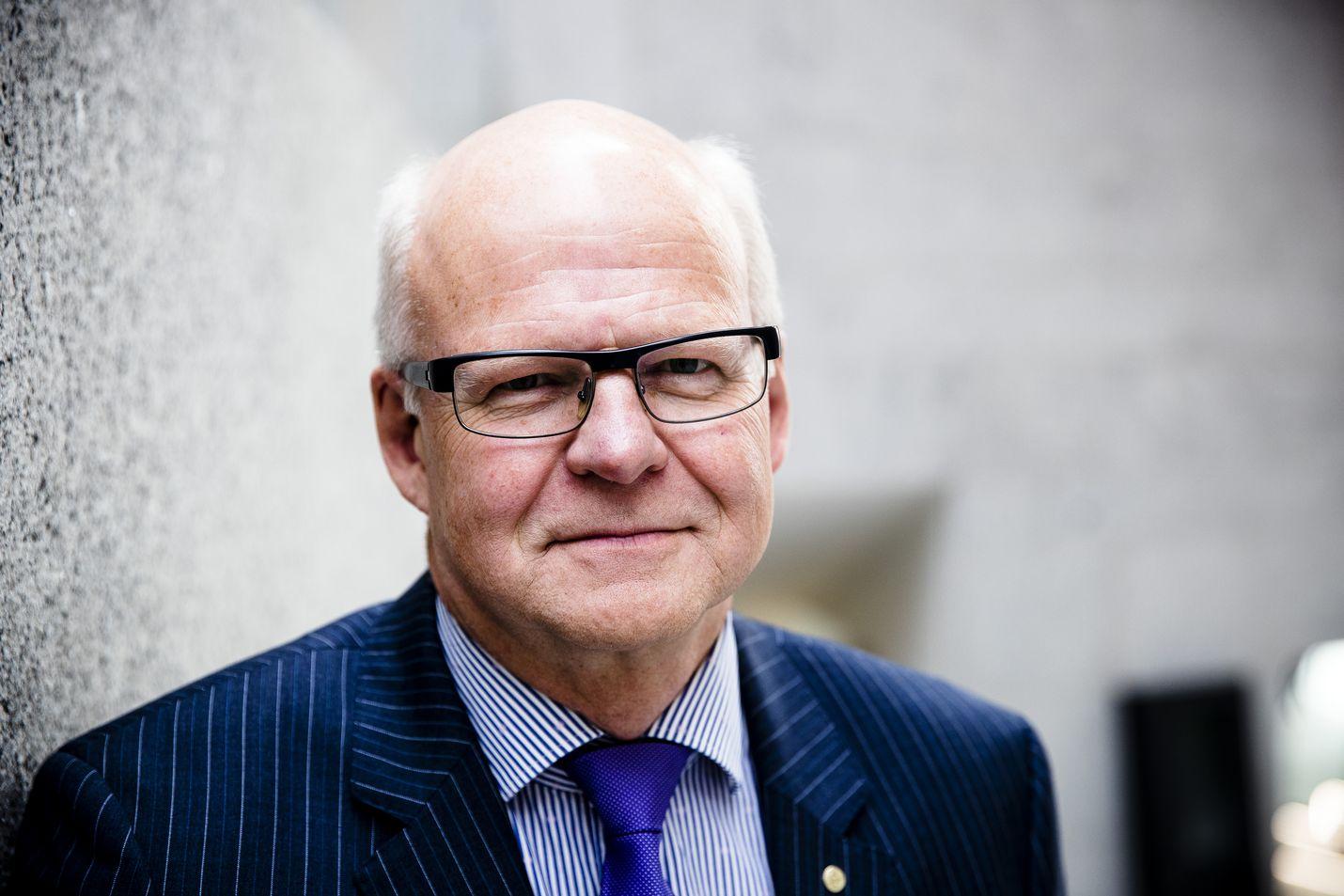 Hallituksen puheenjohtaja Reijo Karhisen mukaan Valtion kehitysyhtiö Vaken uuden toimitusjohtajan nimityksestä ei tule poliittinen.