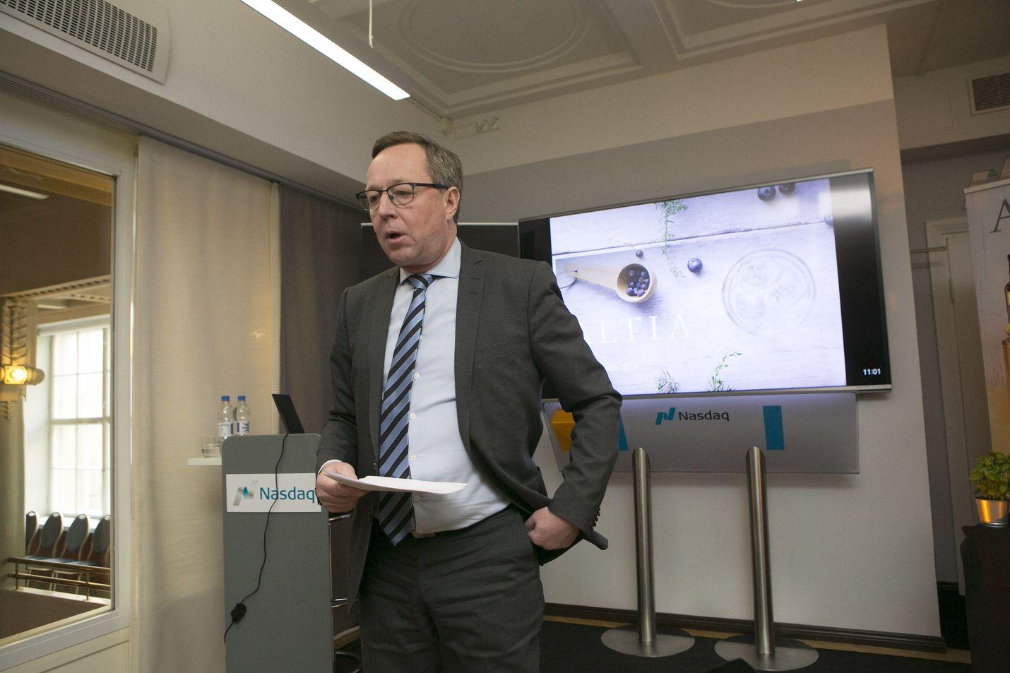 Valtiovarainministeri Mika Lintilä sanoi, että lisäbudjetin määrärahoilla edistetään viennin edellytyksiä ja poistetaan logistisia pullonkauloja.
