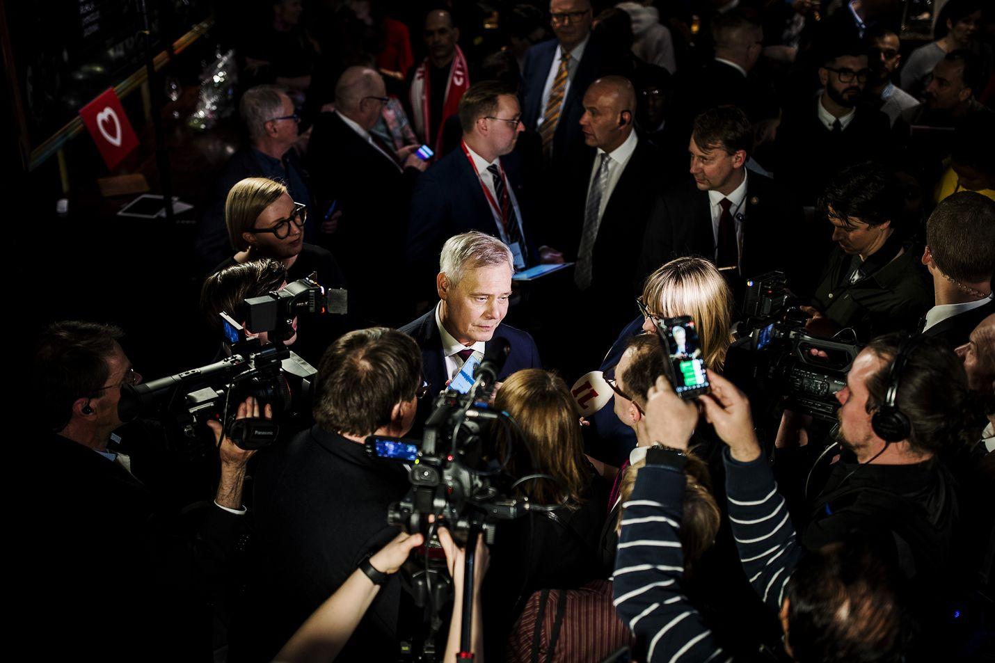 Pääministeri Antti Rinteen puolue sdp sai vaalivoiton huhtikuussa. Yksi Rinteen hallituksen kovimmista tavoitteista on työllisyysasteen nosto 75:een.