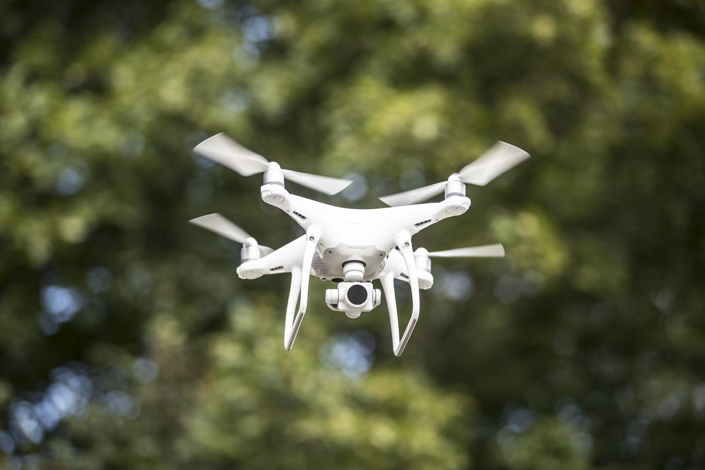 Drone on kauko-ohjattava lennokki.